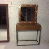 Stolik dlya makiyazha s zerkalom v stile loft, la25
